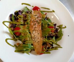 Ensalada de foie gras marinado y vinagreta de hierbas